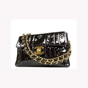 Chanel Vertical Quilted Patent Jumbo Classic Flap